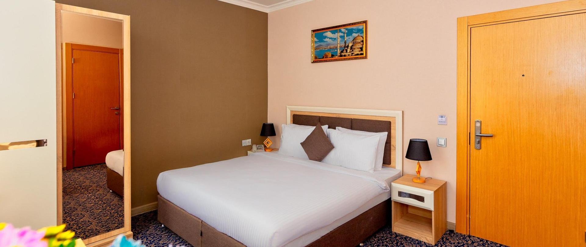 Metrocity Hotel-17.jpg