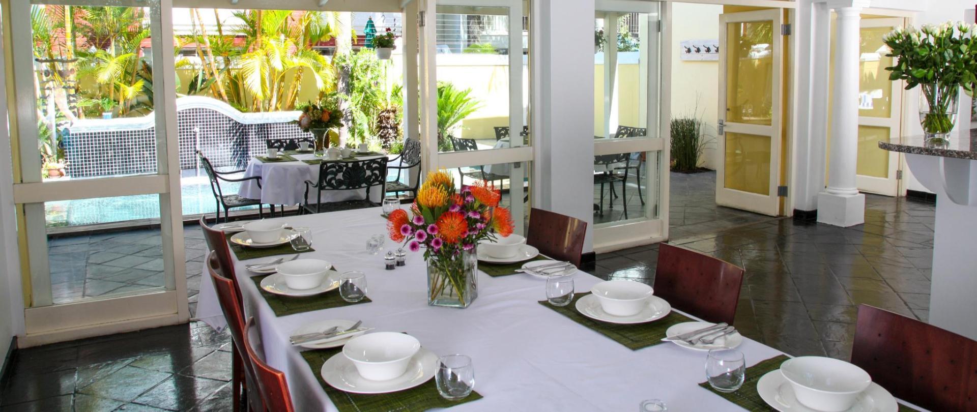 Hunneyball House Stellenbosch Guesthouse (36).jpg