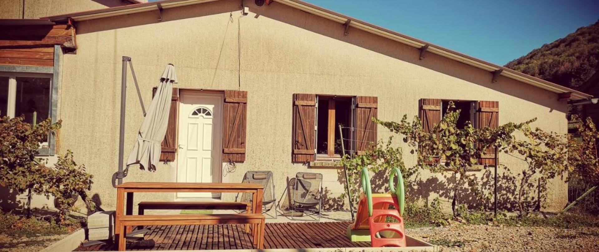Maison avec dépendance insolite et Spa privé