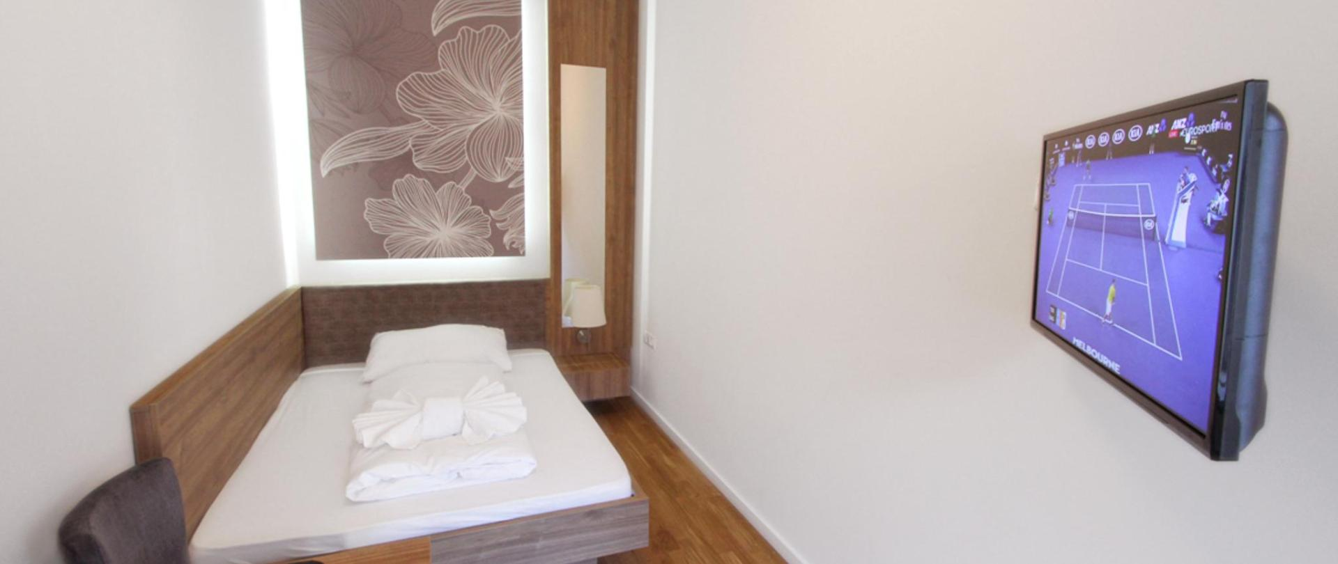 Comfort Apartment (20).jpg