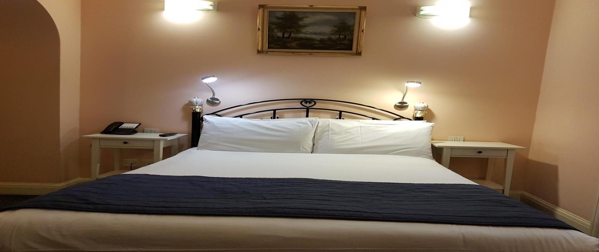 rsz_bedroom2.jpg