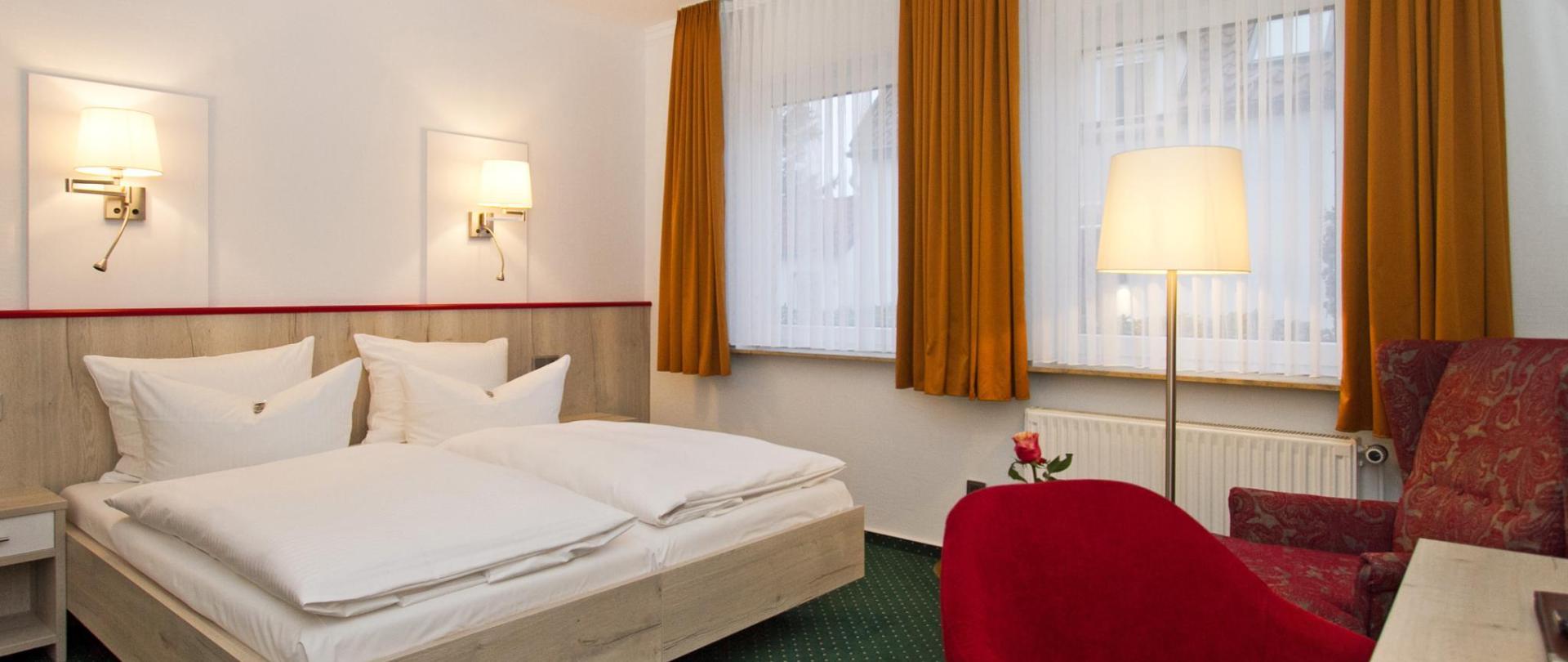 hotelschaper006 copy.jpg