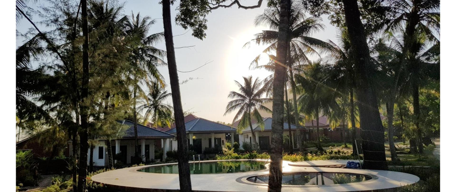 Sunshine on resort.png