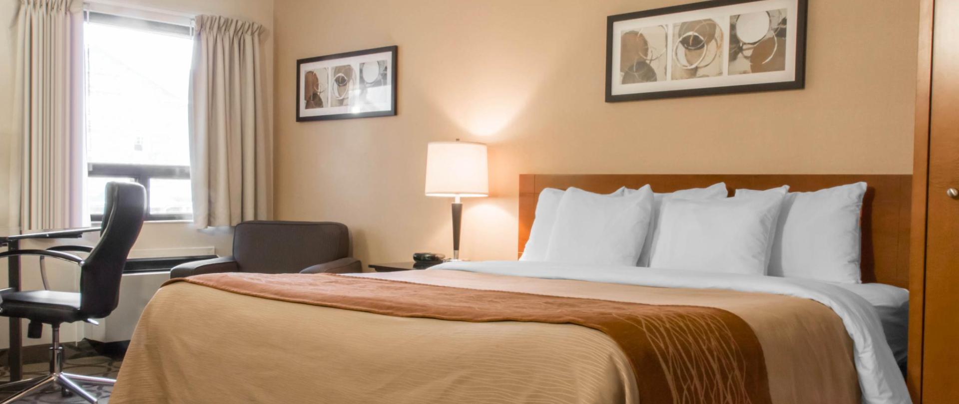 Pillowtop Queen Guestroom.jpg