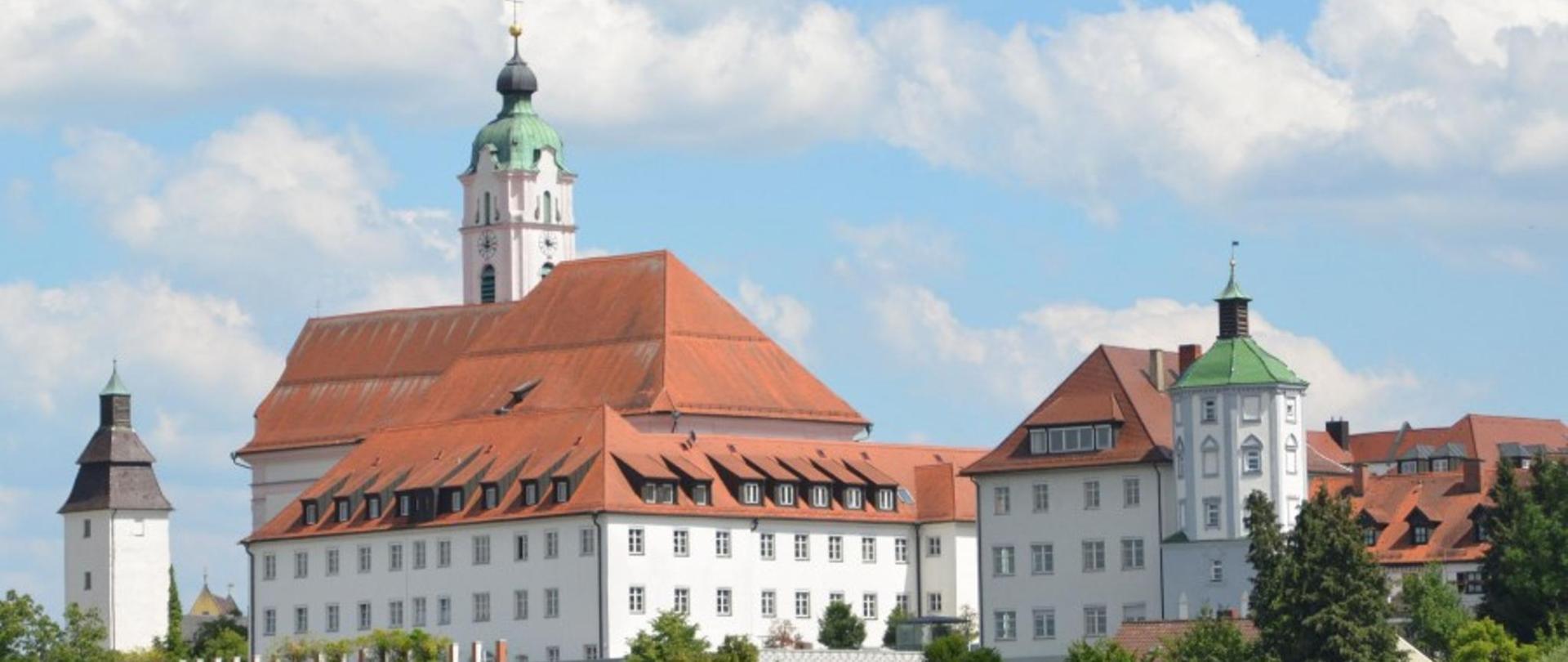 Bild-Nr.-1-Frauenkirche-und-Maria-Ward-Institut1-e1498643300767.jpg