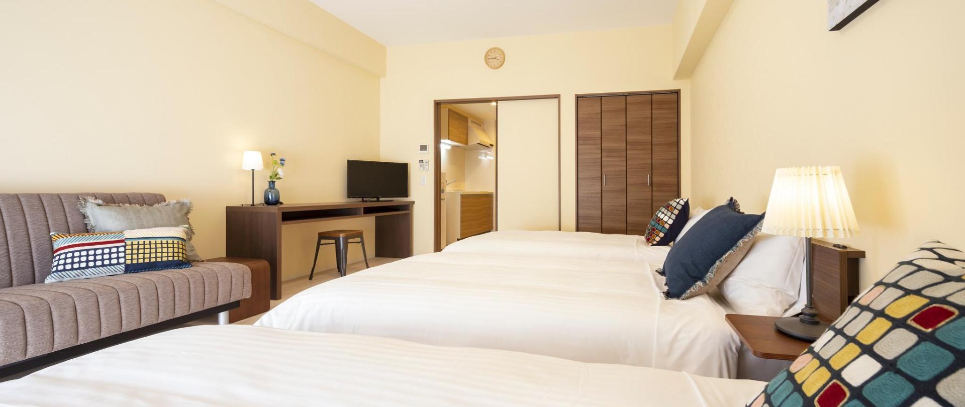Standard Room for 4 people(10).jpg