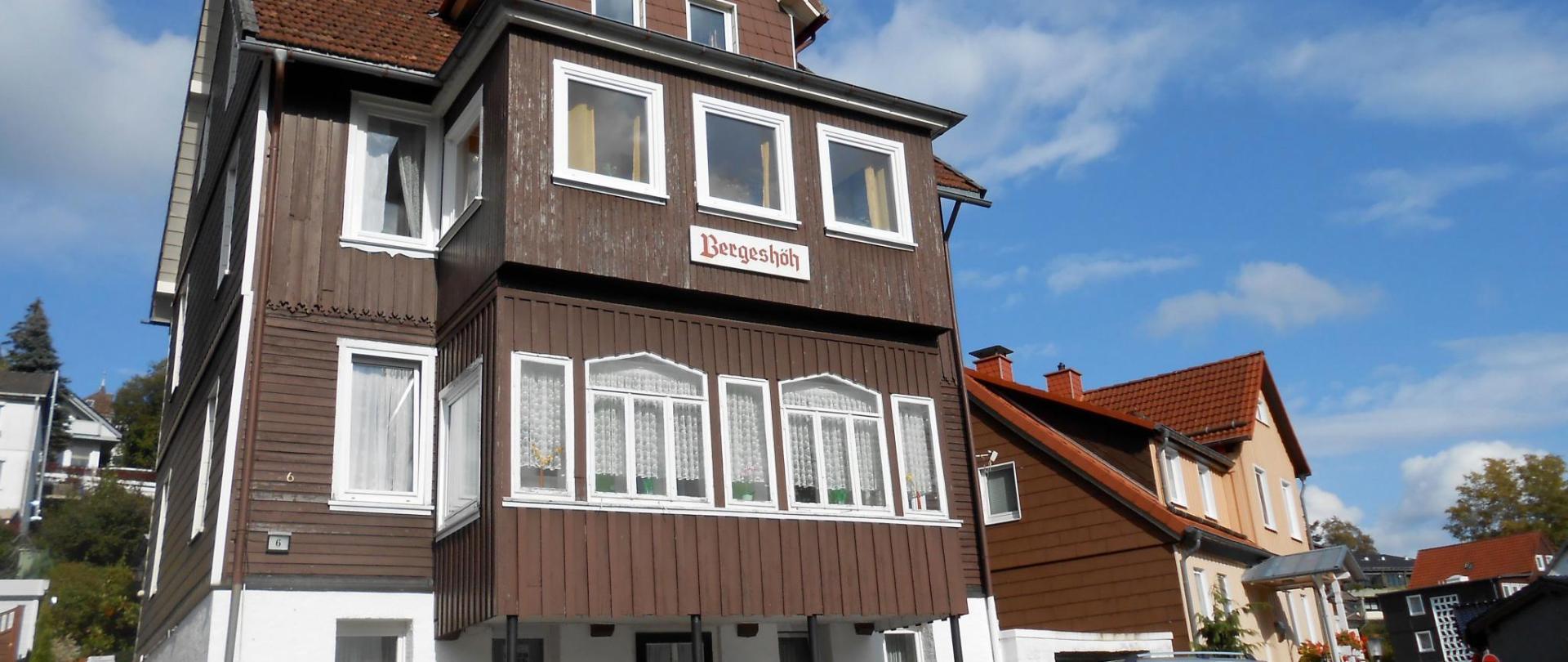 Fassade Titelbild 5.jpg