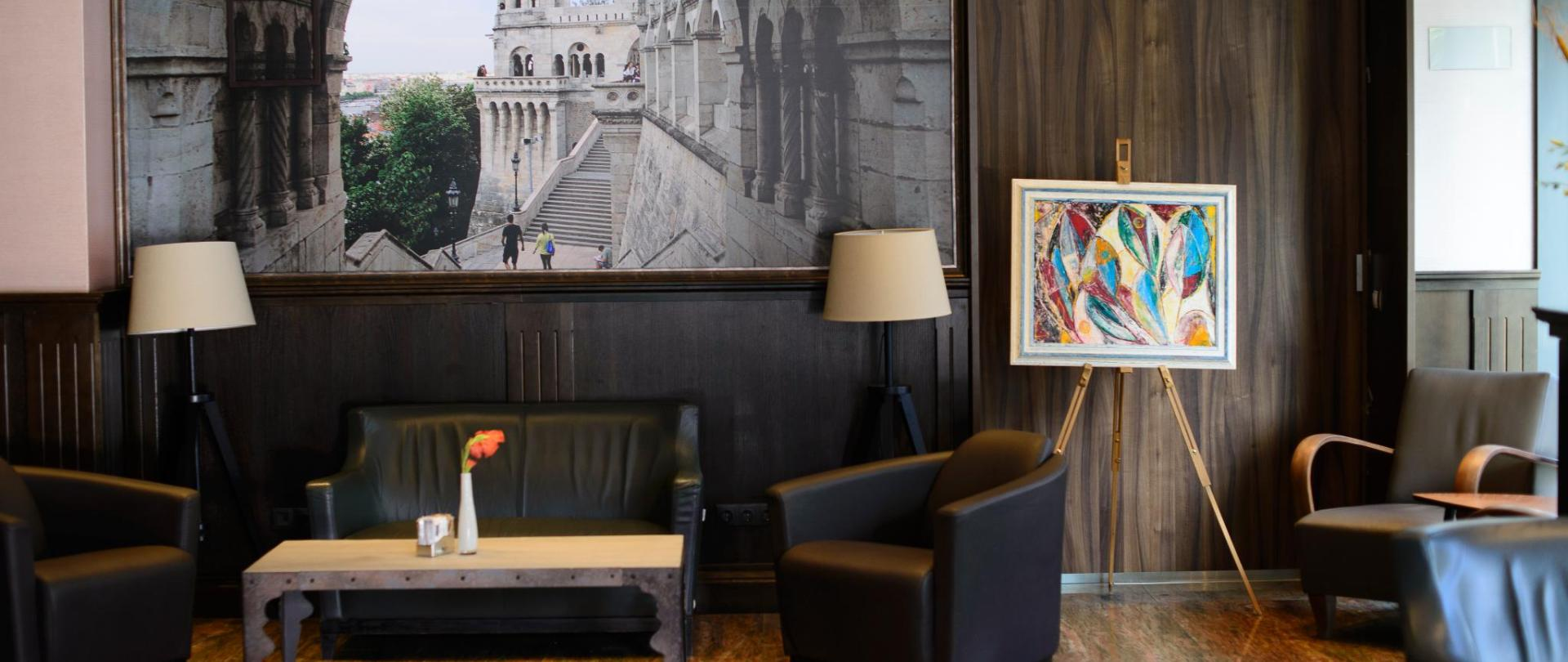 Hotel BUdapest - Lobby.jpg