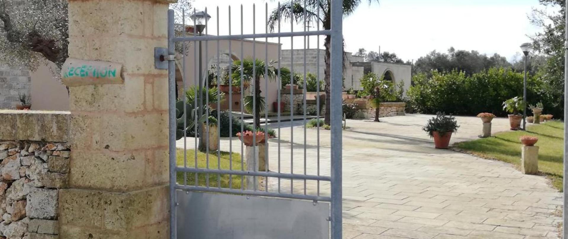 3 cancello ingresso.jpg