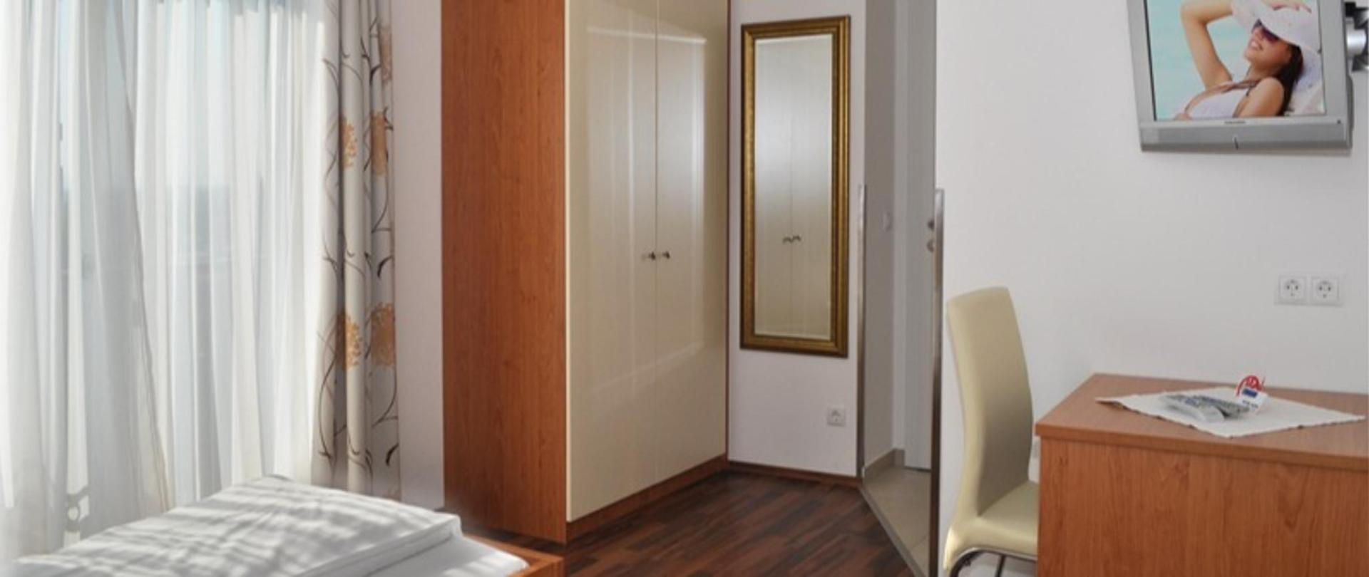 Zimmer 2_126_72dpi.jpg