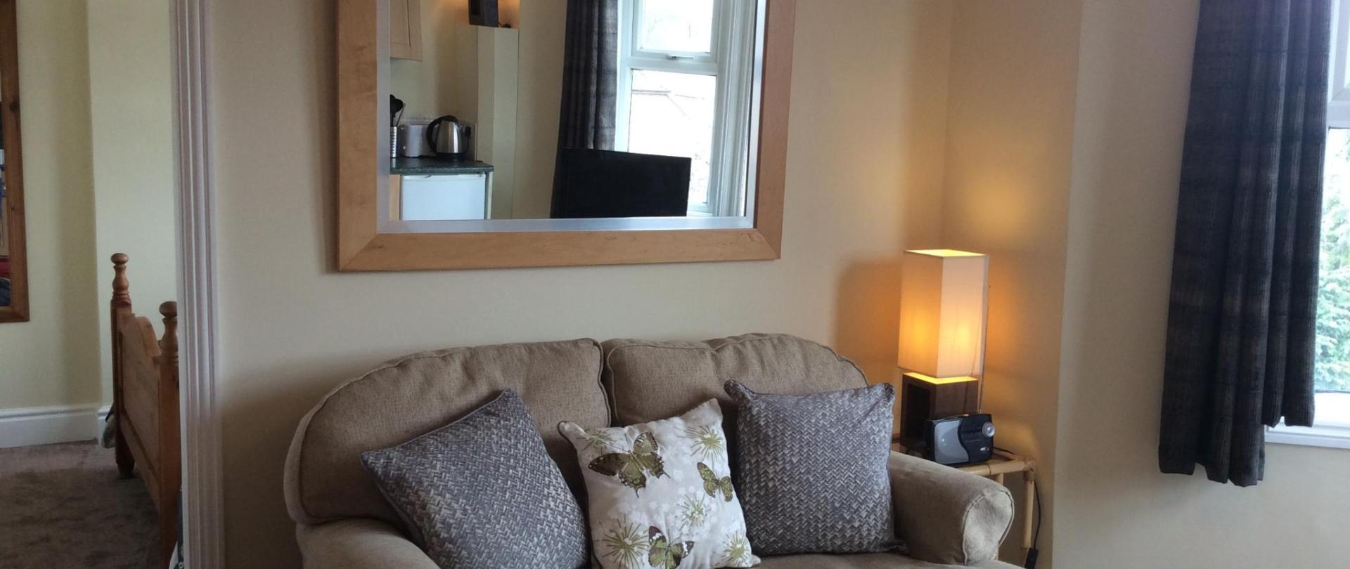 Sofa Sunnyside.jpg