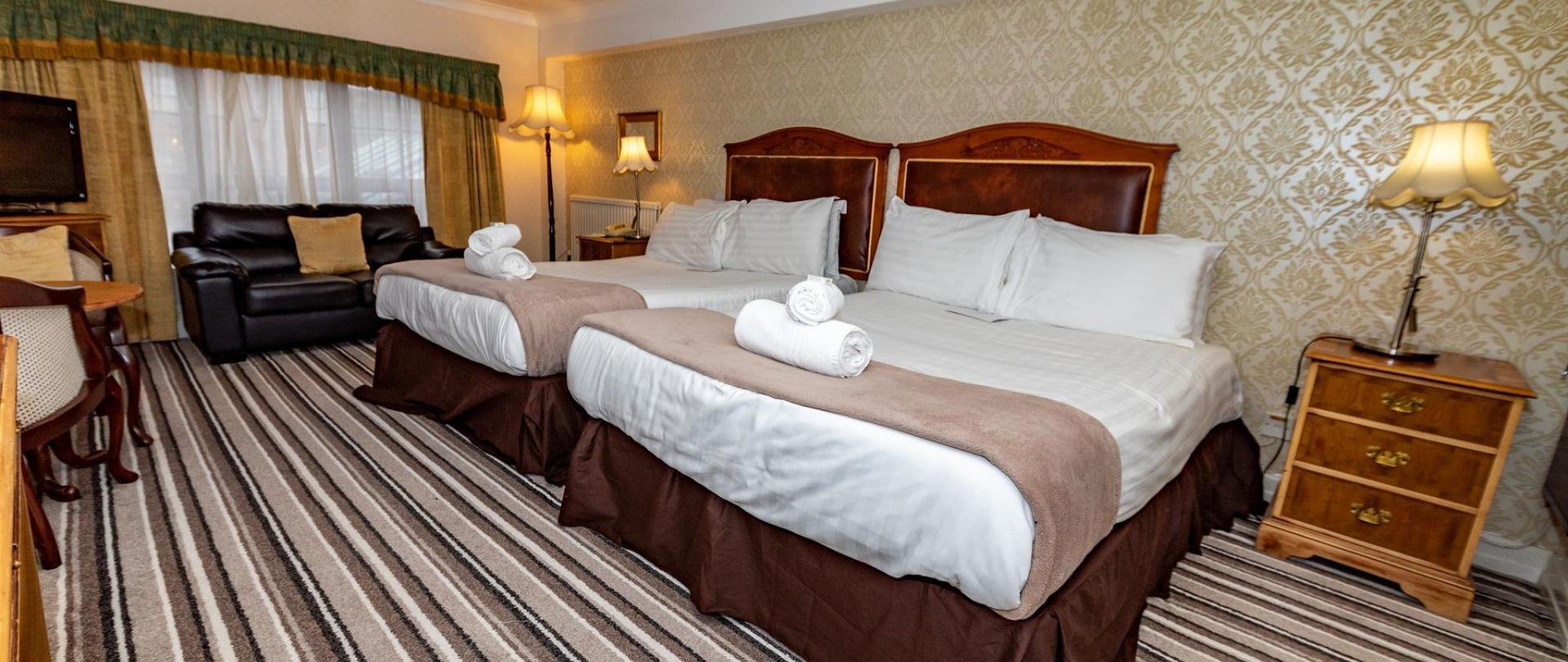 Fownes Hotel .jpg