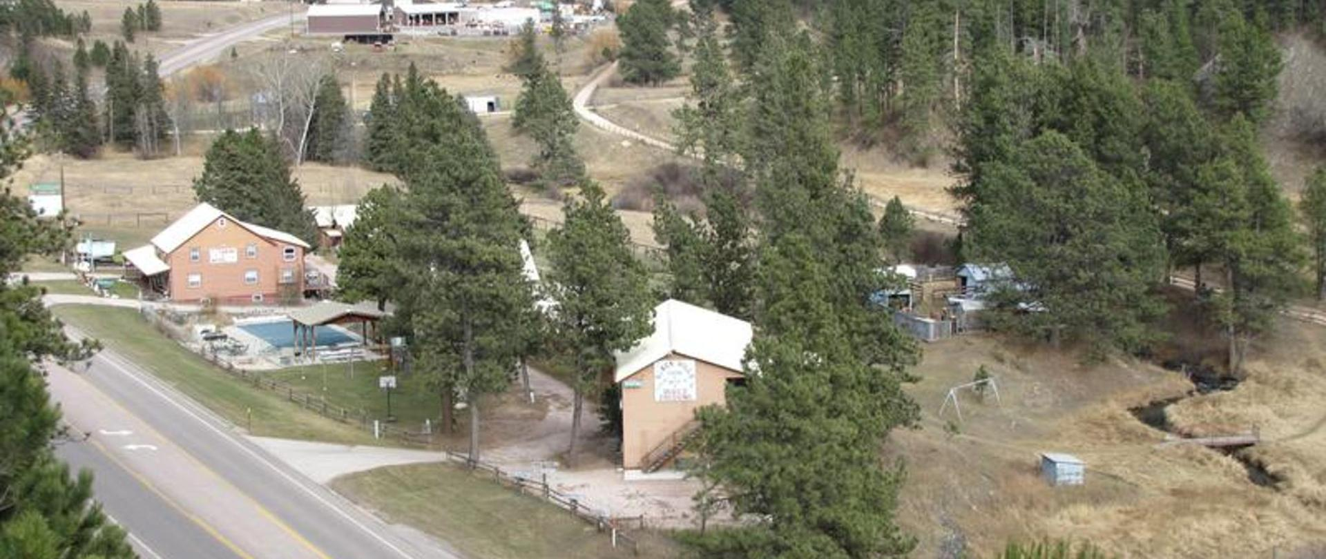 Black Hills Cabins & Motel at Quail's Crossing