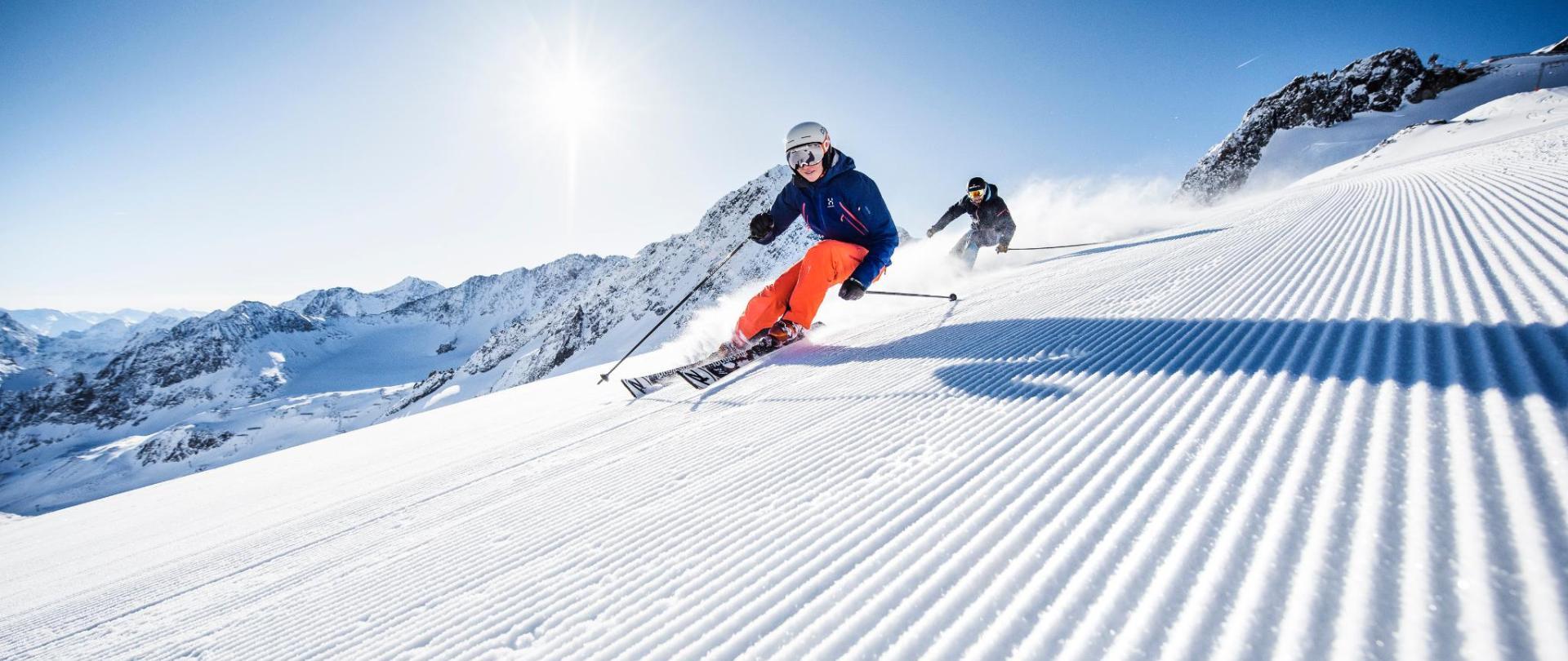 Skifahren_Stubaier_Gletscher04_-c-_Andre_Schoenherr.jpg