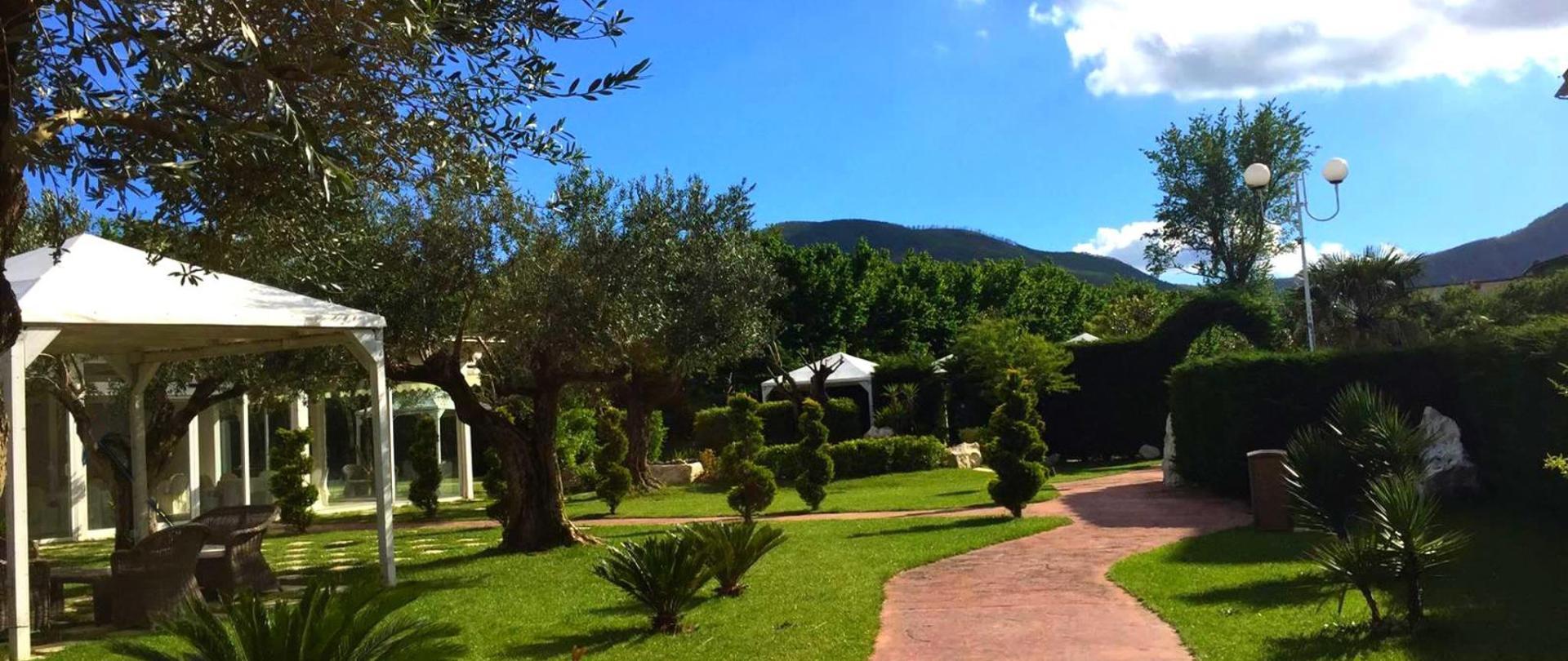 Virginia_Palace_Hotel_Terme_Spa_Giardino_Centro_Benessere.jpeg