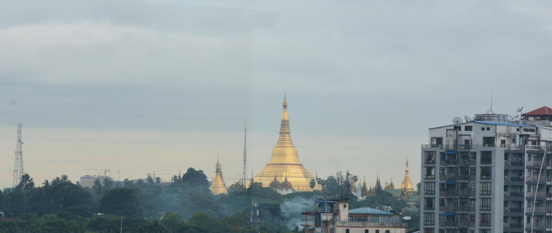 Shwedagon View from rooftop.JPG