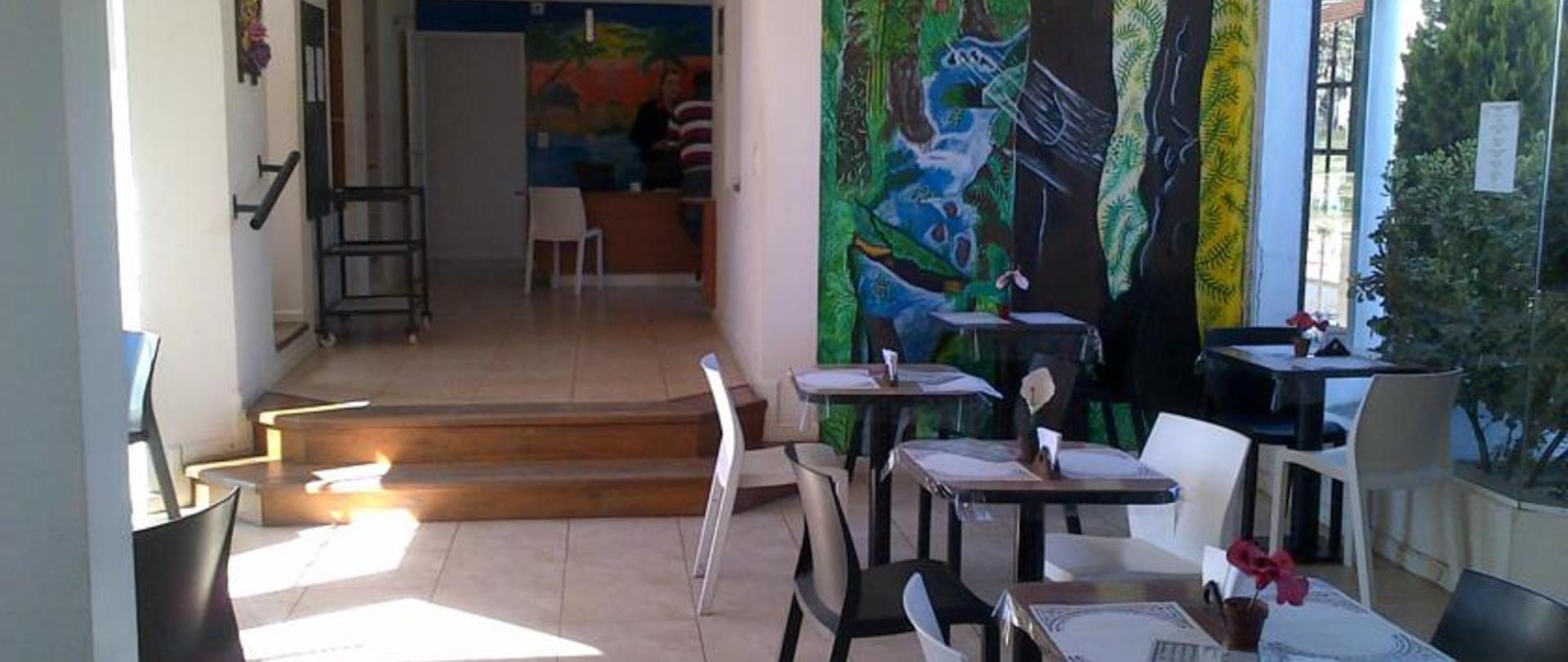 Hotel Queguay desayunador.jpg