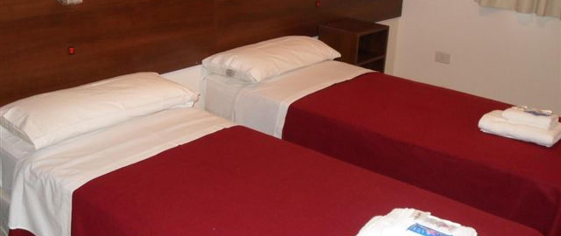 Hotel Queguay habitacion doble twin.jpg