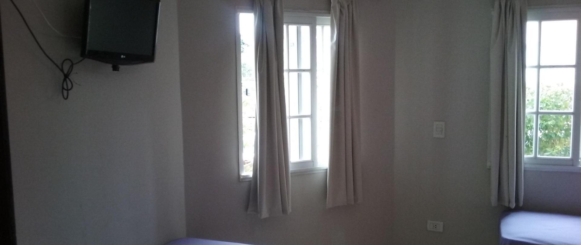 TPL 1 Hotel Queguay.jpg