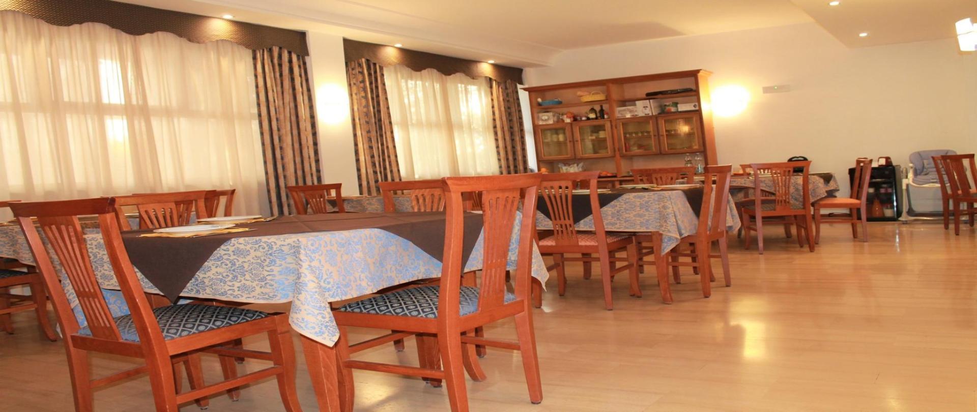 sala colazione 1.jpg