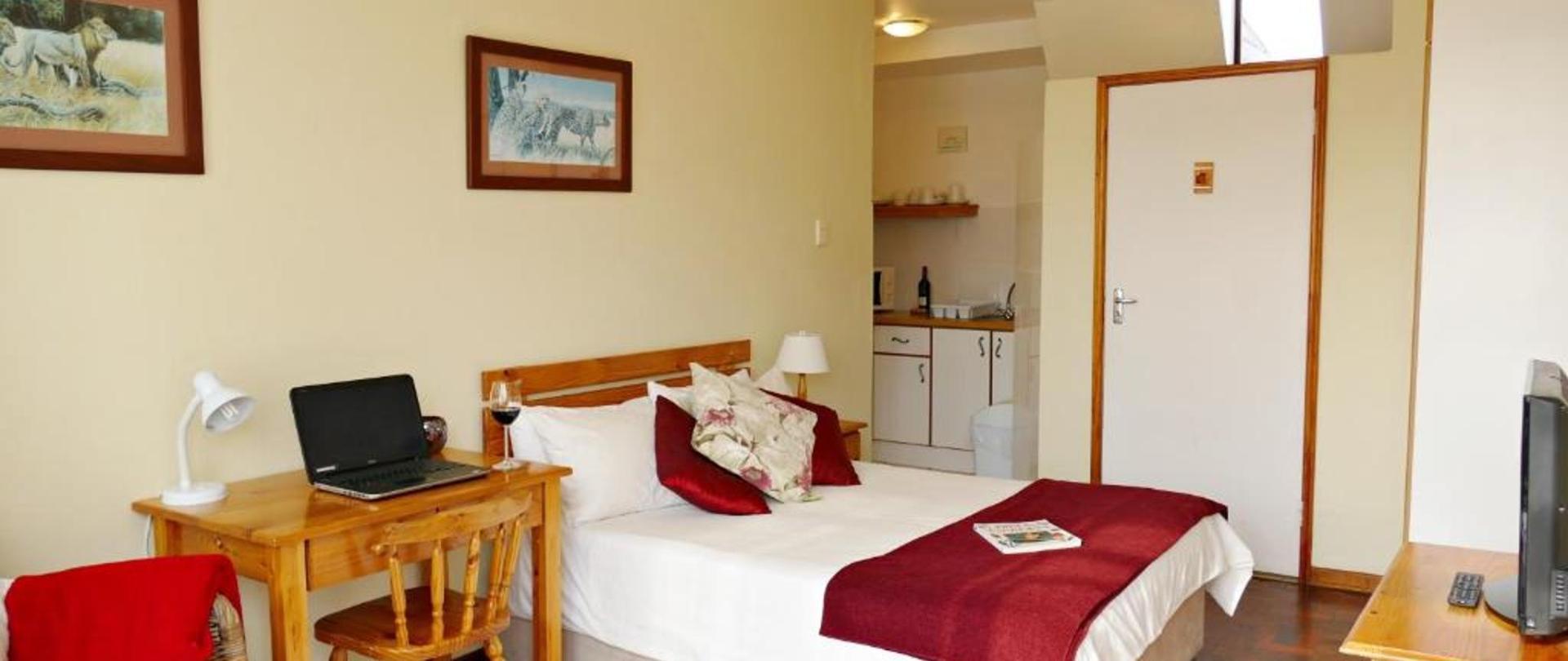 Budget bedroom.jpg