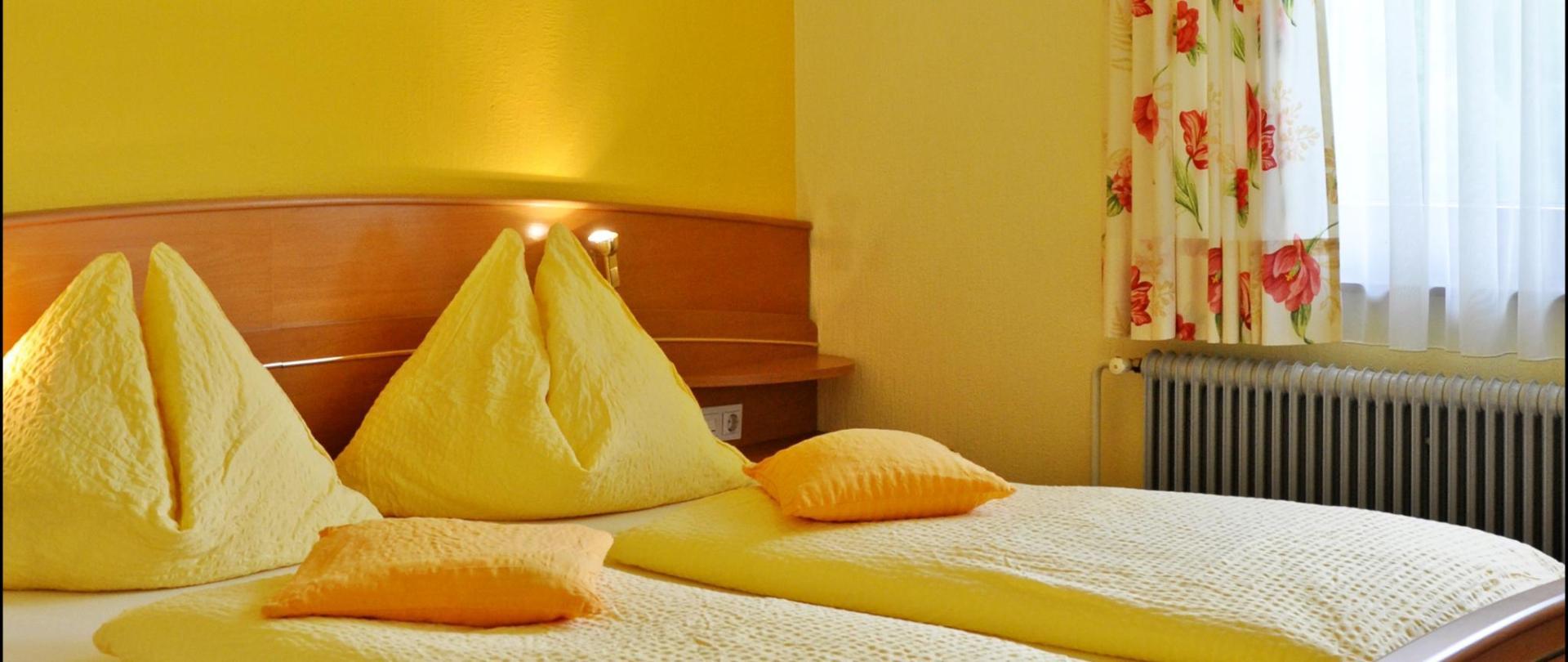 Komfort Doppelzimmer Enzianbrenner.JPG