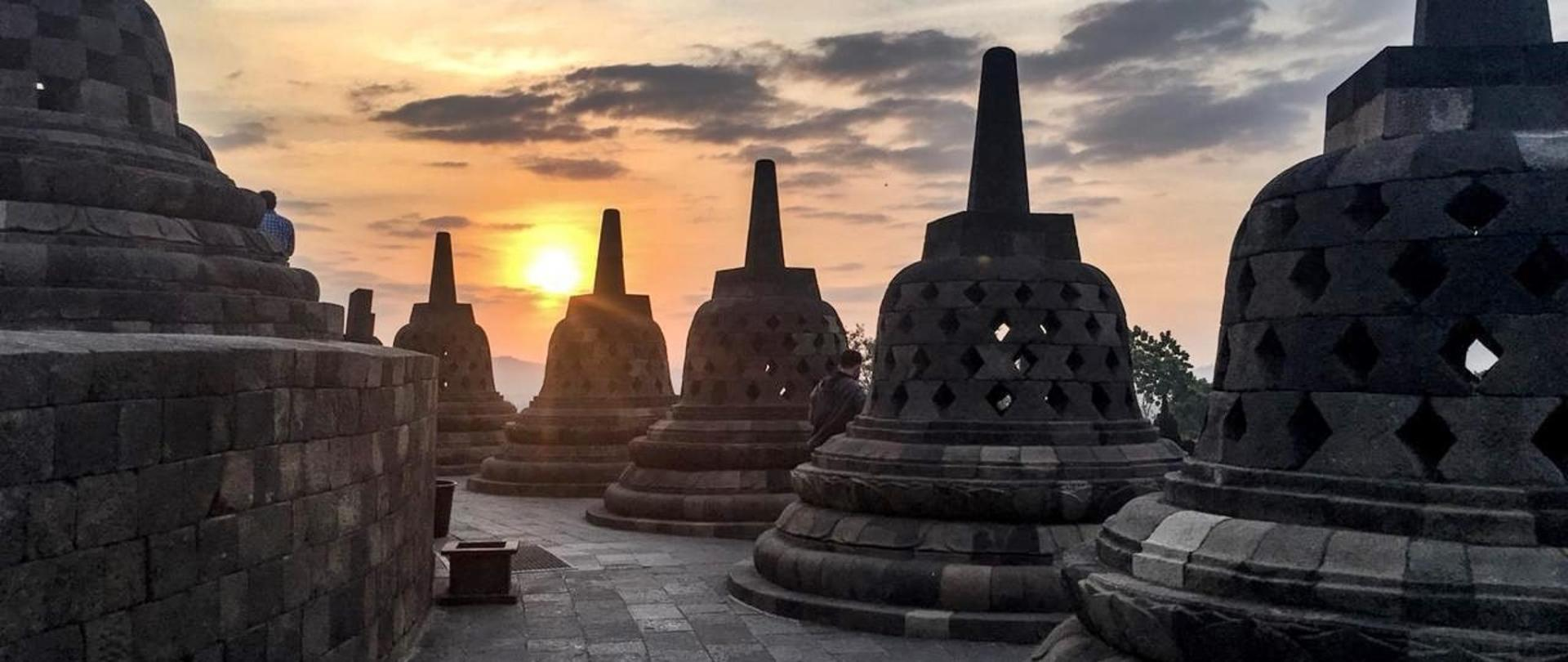 Borobudur Sunrise 2018.jpeg