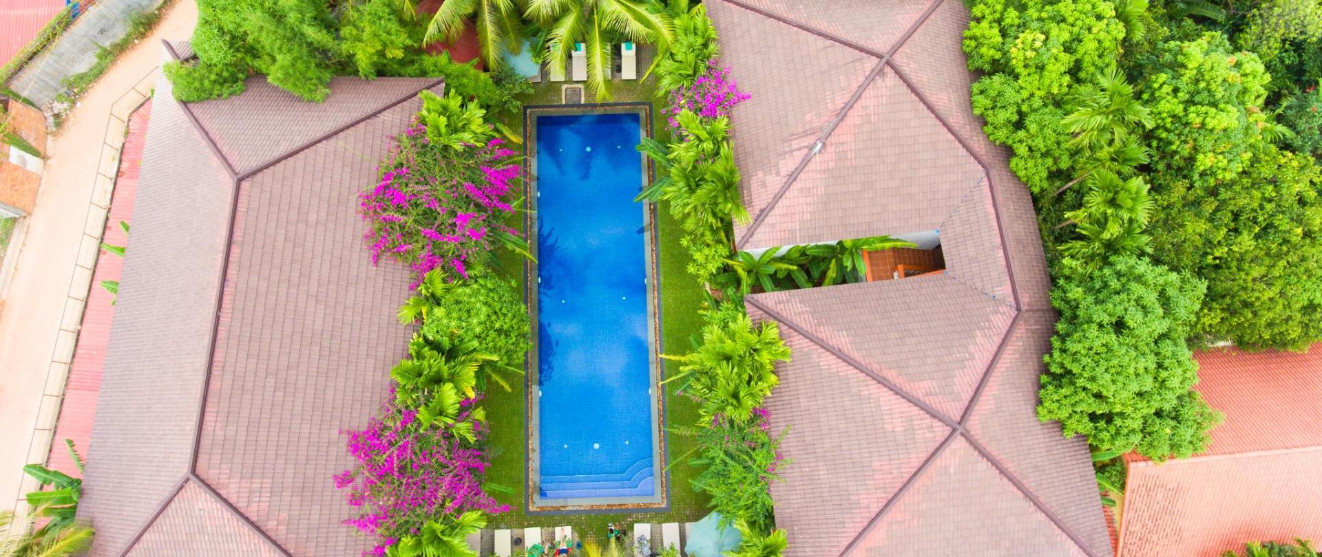 Pool Top.jpg