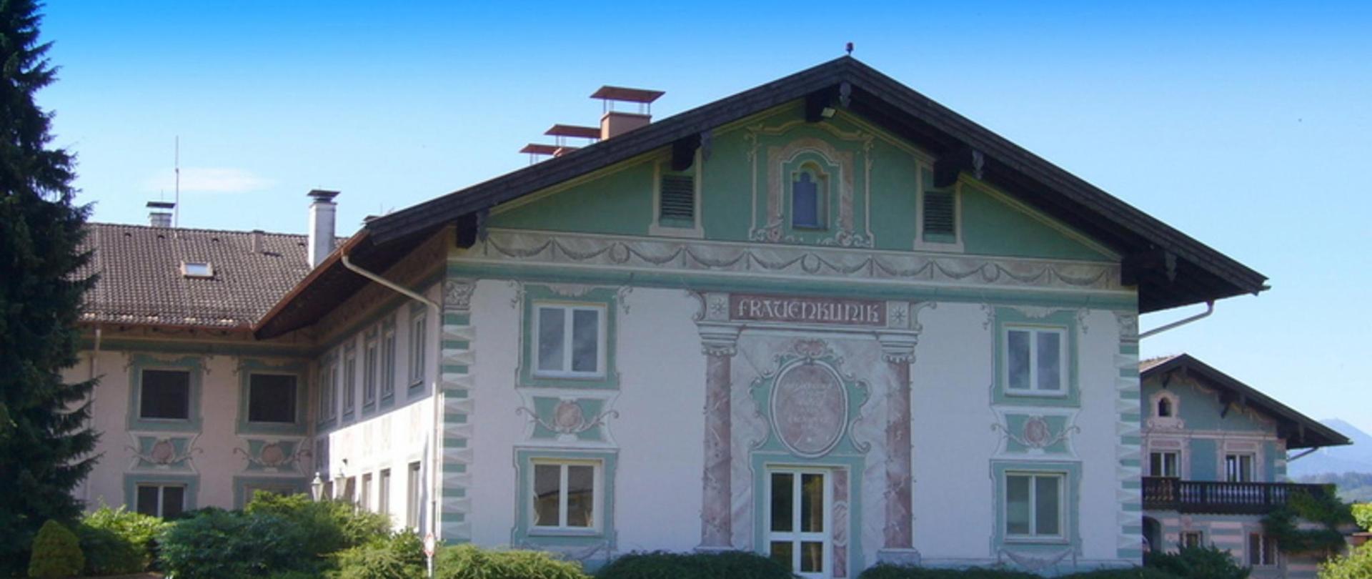 Cura Magna - Sommer - Haus - Aussen - Image 02 P1160211 _2048x1536.JPG