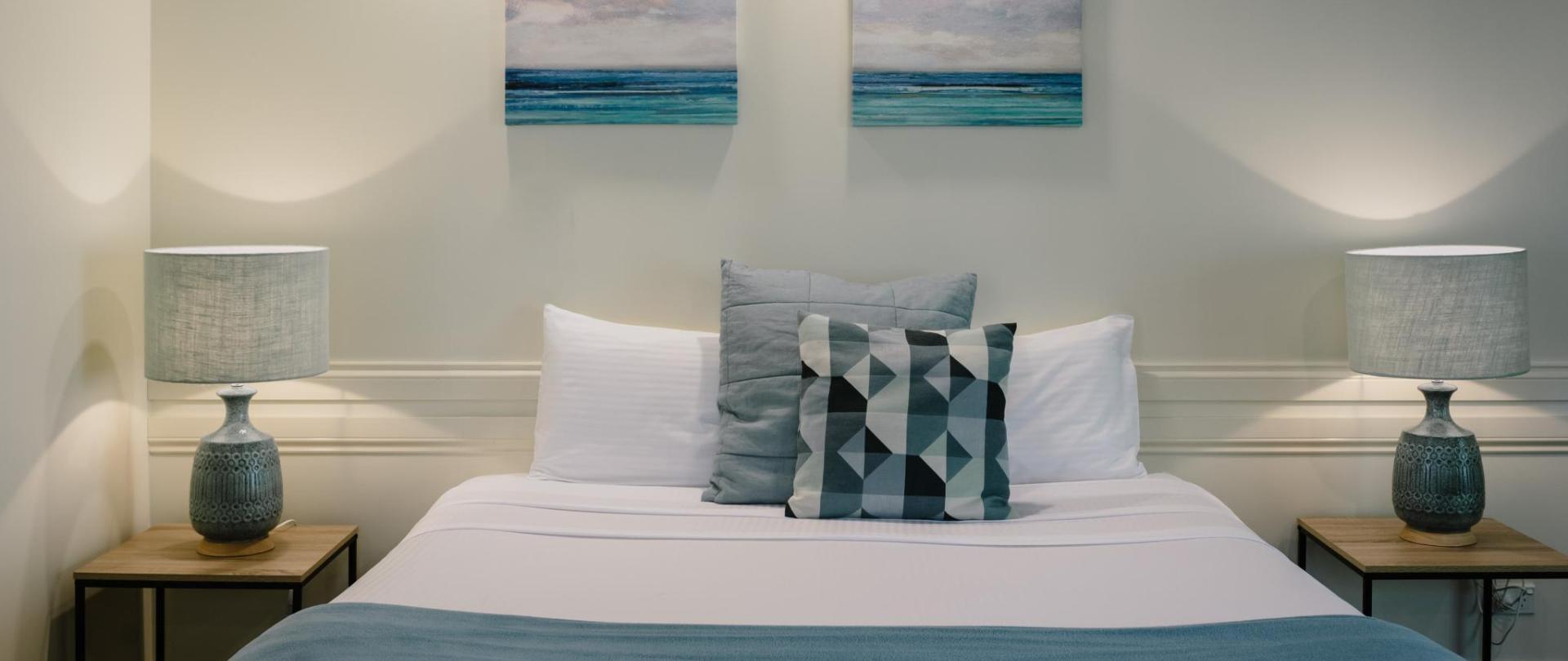 King bed 2.jpg
