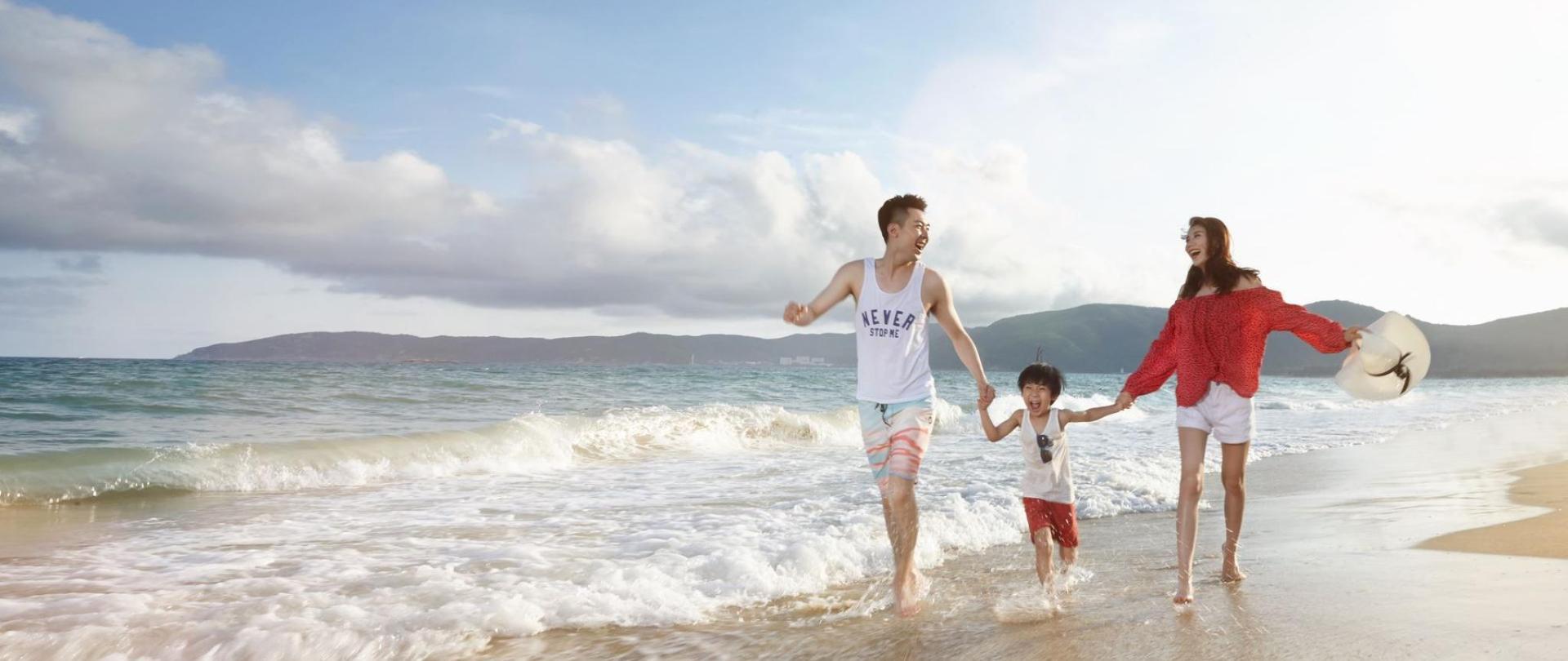 1 三亚亚龙湾迎宾馆-沙滩 (1).jpg