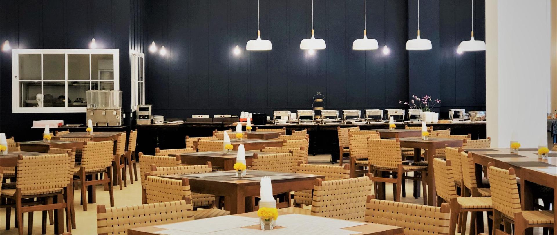 Restaurant adj - IMG_4532.jpg