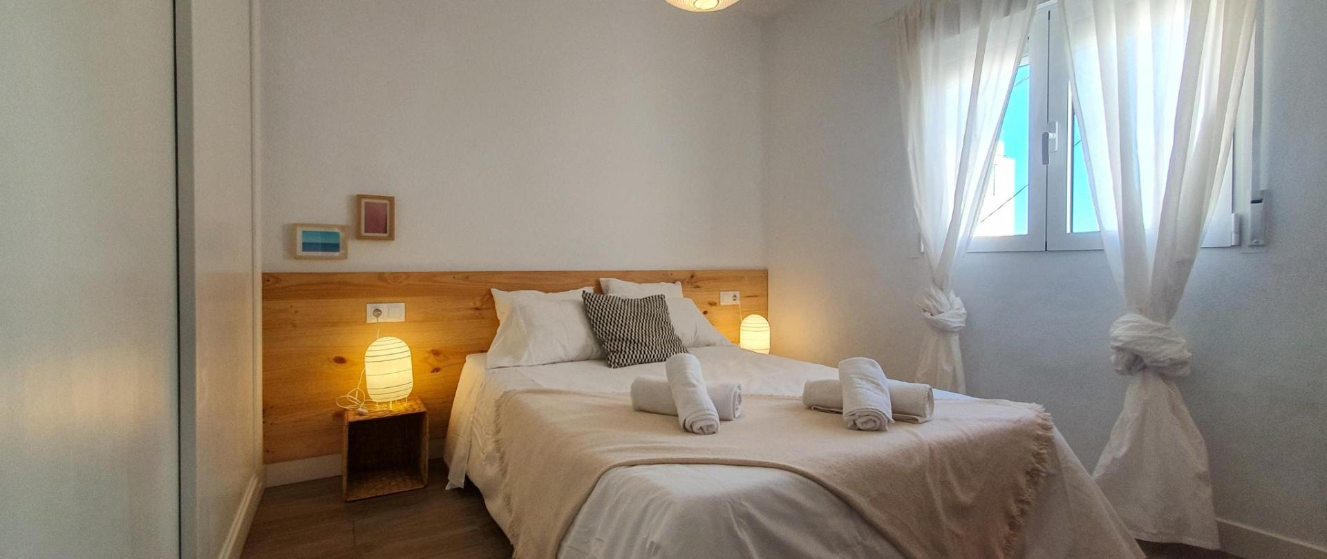 Enjoy Great Apartment with Terrace and Sea Views
