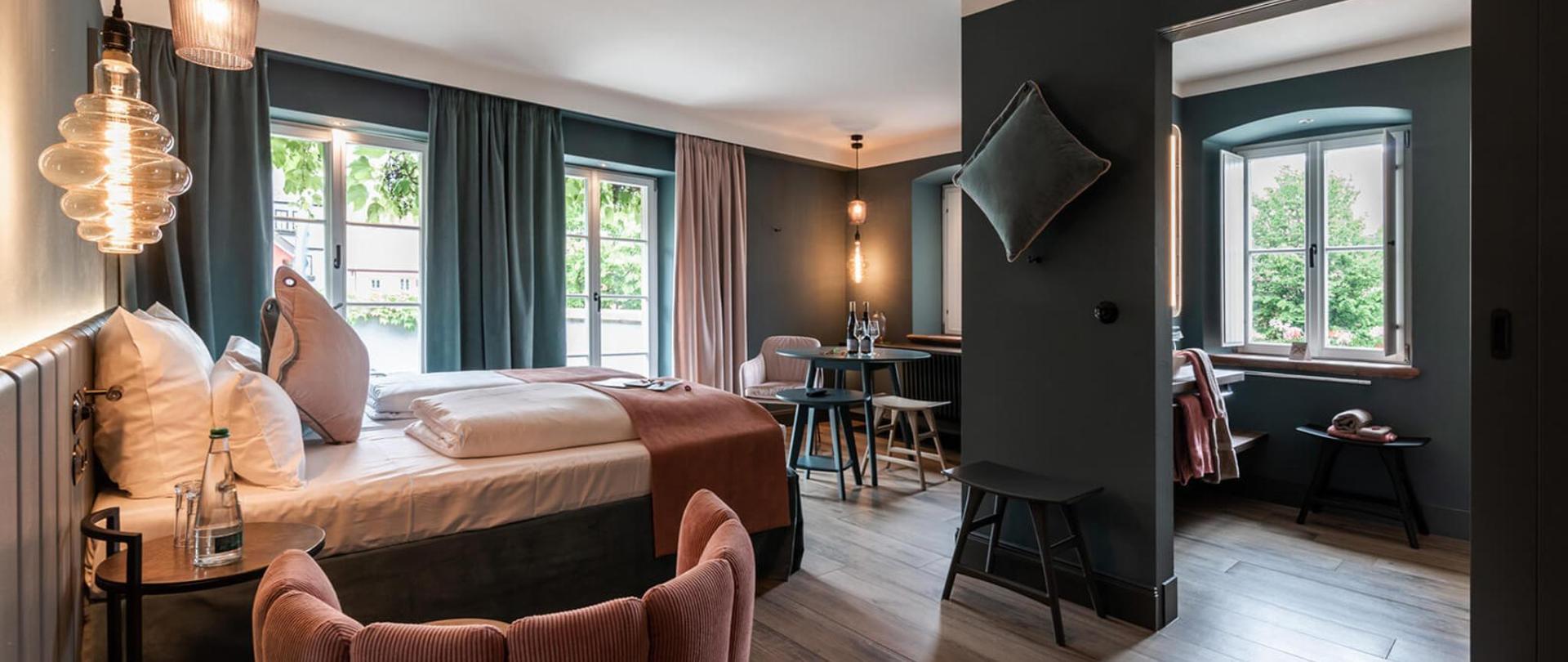 Hotel / Weingut Meintzinger