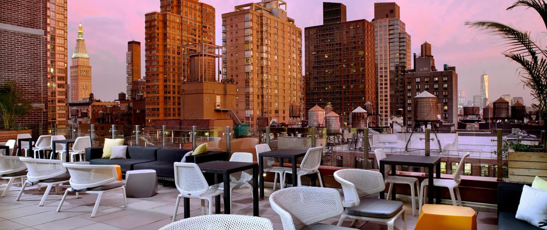 cam_chels_rooftop_lounge_2015.jpg