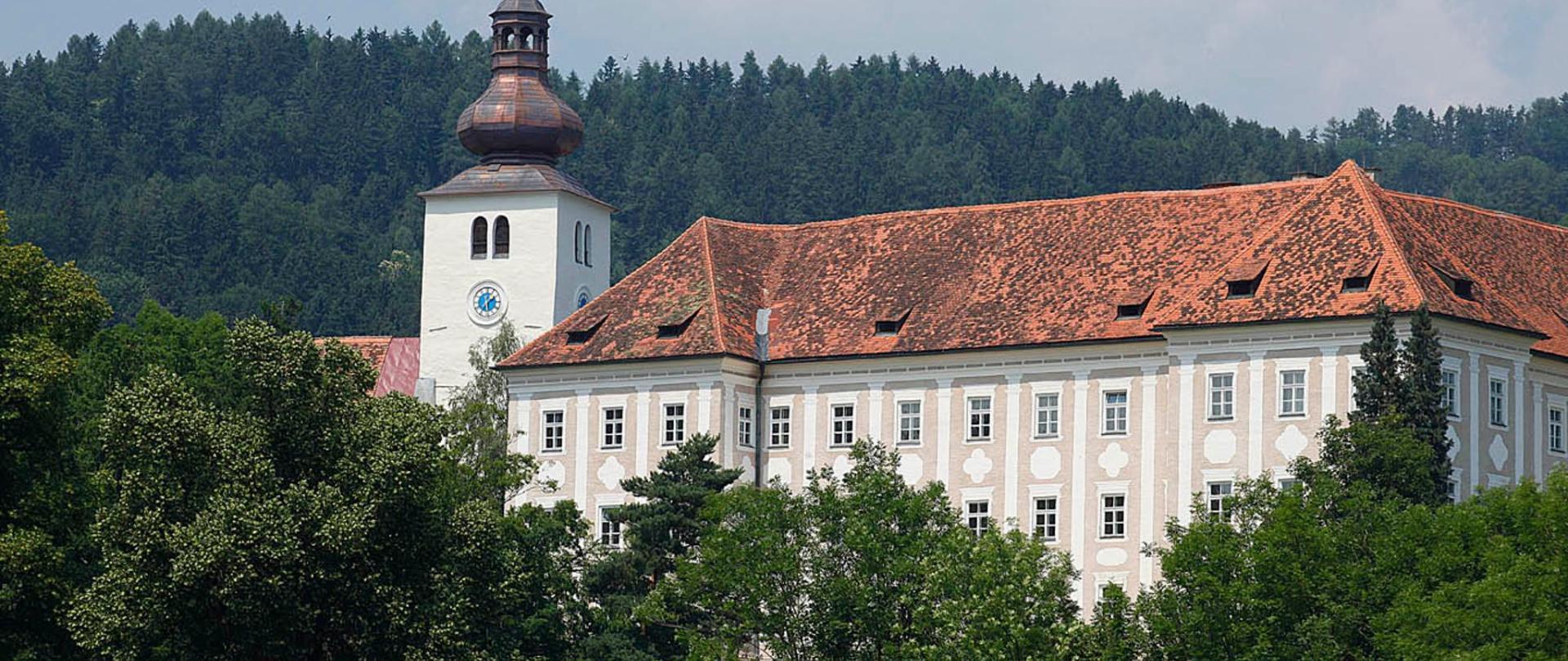 Schloss_Kirche_Piber_ (c) Enrico Caracciolo.jpg