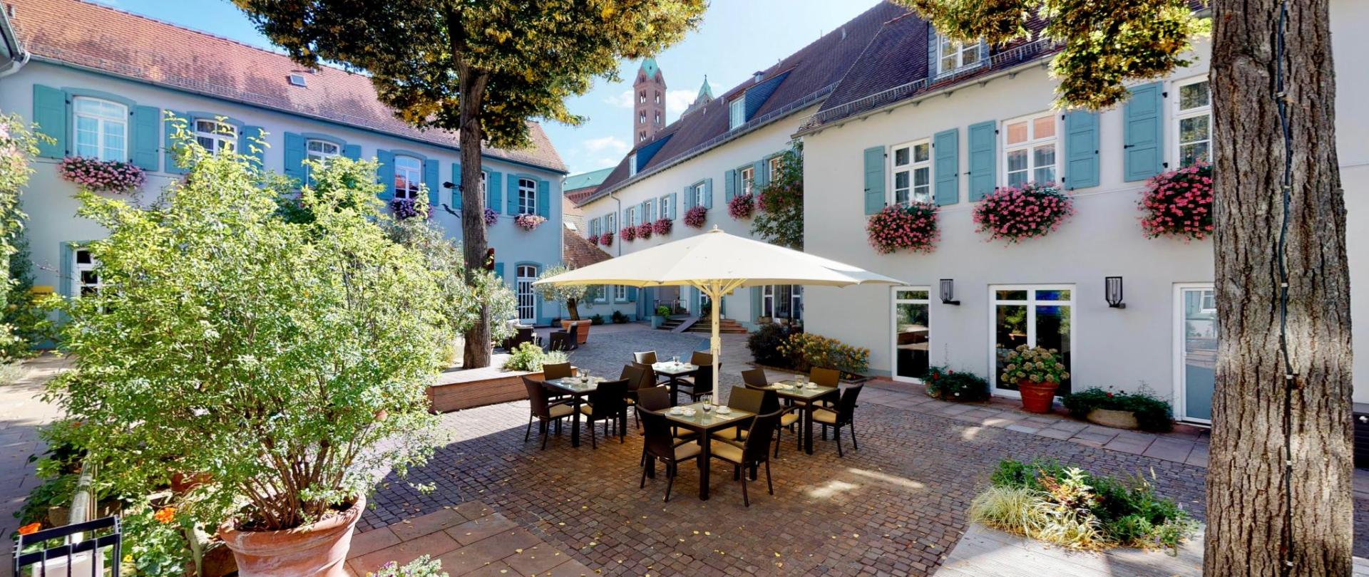 Hotel-Domhof-175017.jpeg