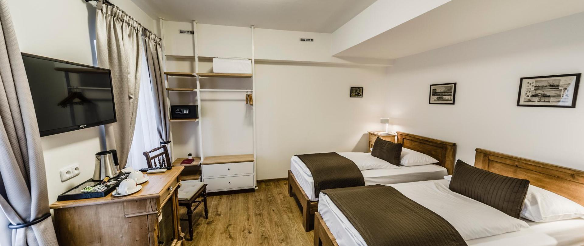 Dvoulůžkový pokoj_oddělené postele_1.jpg