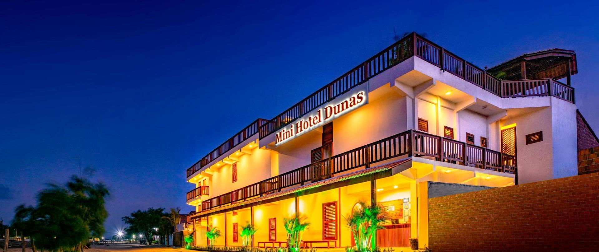 mini_hotel_dunas_001_fachada_b.jpg