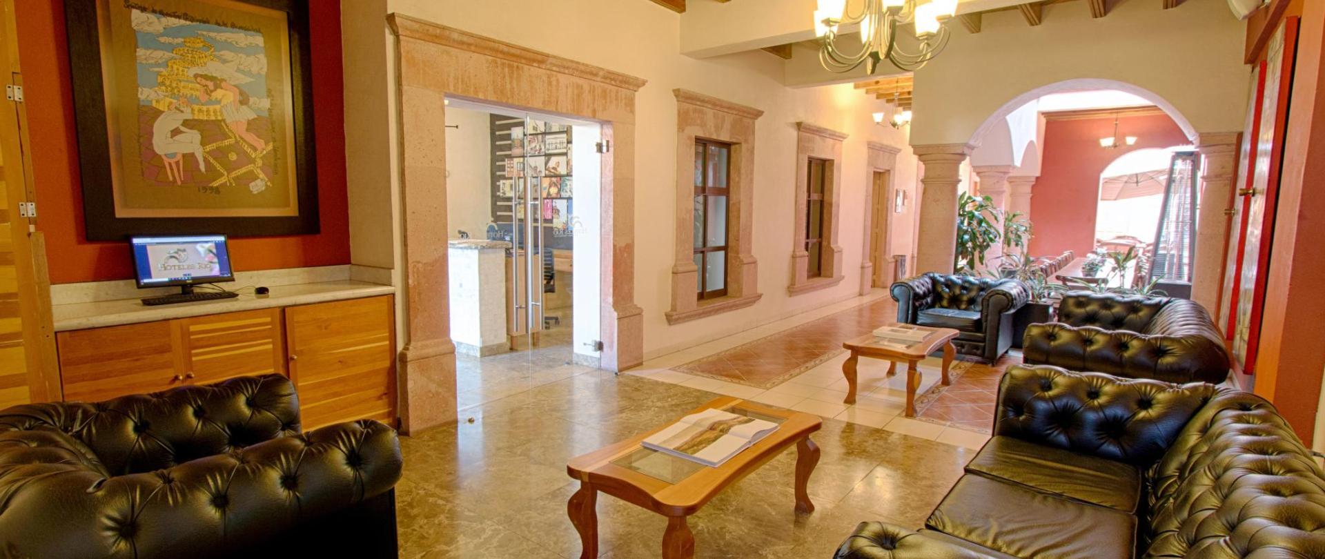 Hotel Rio Queretaro Recepcion y Lobby (1).jpg