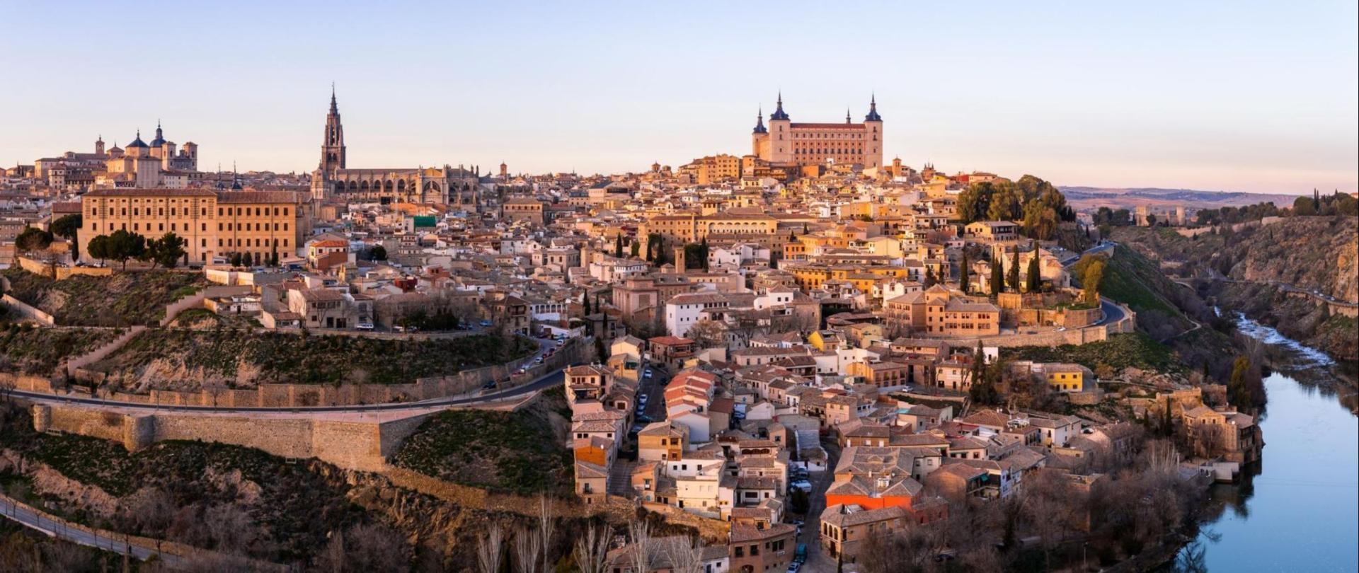 toledo-madrid-tiempo-turismo-espan-a-que-ver-un-dia-como-llegar-hoteles-esquire-1548338989.jpg