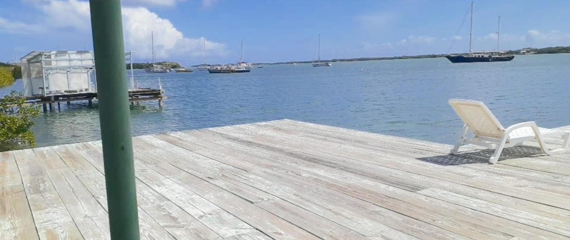 Pierdeck Vistalmar Aruba Accommodation.jpg