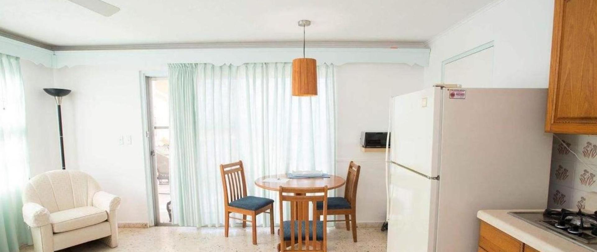 Kitchen Vistalmar Aruba Accommodation.jpg