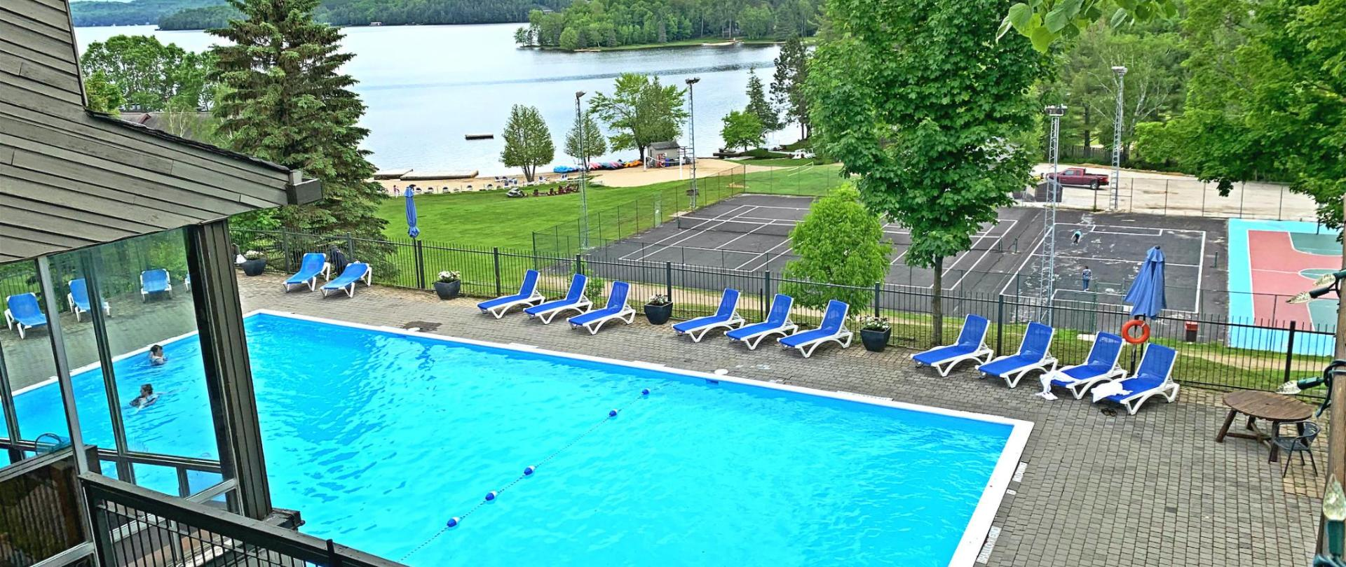 outdoor pool_meitu_1.jpg