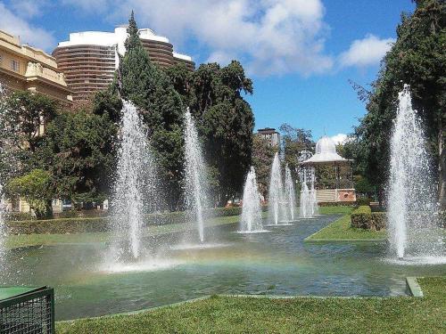 1280px-Praça_da_Liberdade_-_Belo_Horizonte