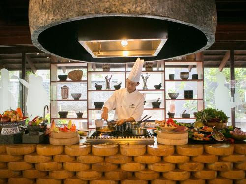 Thai Cooking Class Package