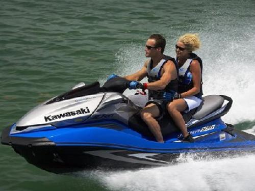Feel The Wind In Your Hair As You Cruise Across Beautiful Rehoboth Bay Delaware Marine Group Located At Rudder Towne Dewey Beach De Offers Jetski