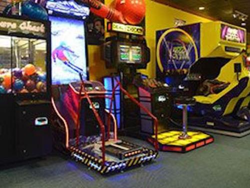 Arcade Games & Carousel