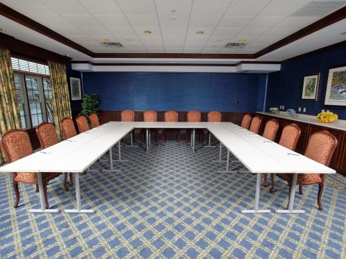 Meetings & Services