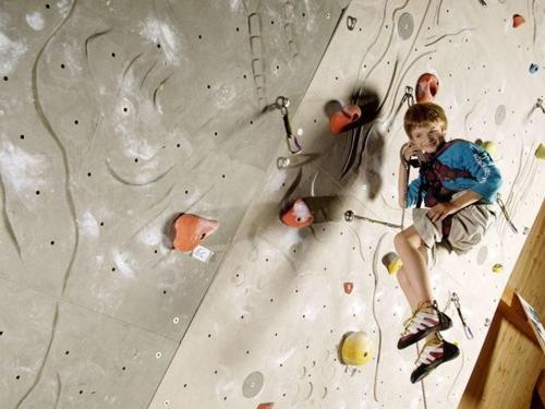 palestra-di-arrampicata-indoor-1.jpg